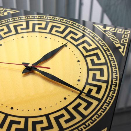 Часы: Уф-печать и золотой перламутр вид сбоку
