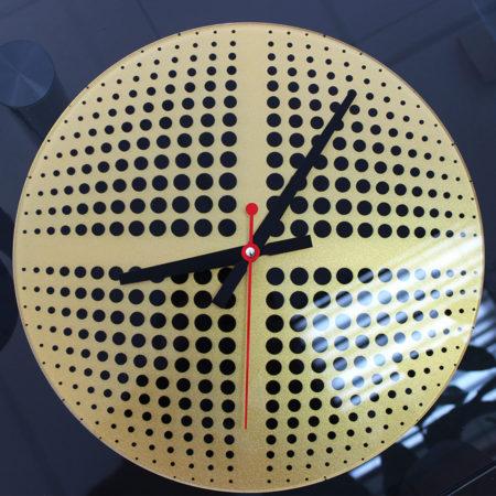 Часы: УФ-печать и перламутр