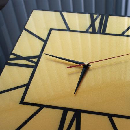 Часы с золотым перламутром2
