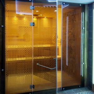 Стеклянные двери для душевой Пермь