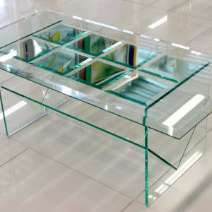 Стол прямоугольный с зеркальными элементами