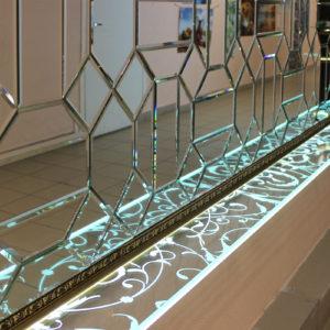 Полка из стекла с подсветкой