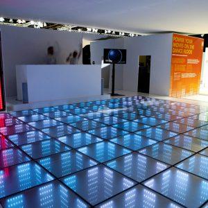 Стеклянный пол с подсветкой